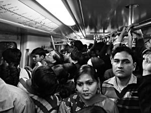 noch ist die U-Bahn nicht voll besetzt