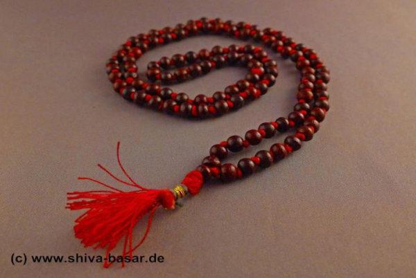 Mala Gebetskette aus 4mm Rosenholz Perlen , einzeln geknotet